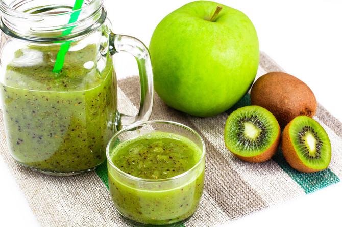 Moćna mešavina kivija i jabuka