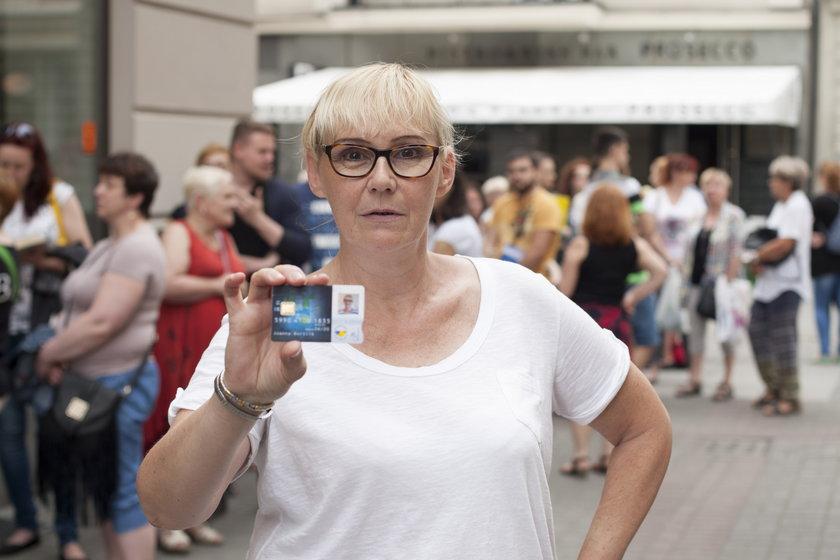 Joanna Bortlik (59 l.), z Katowic. Po kartę stała trzy godziny