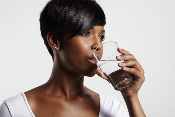Staying hydrated will help you prevent stretch marks [koko]