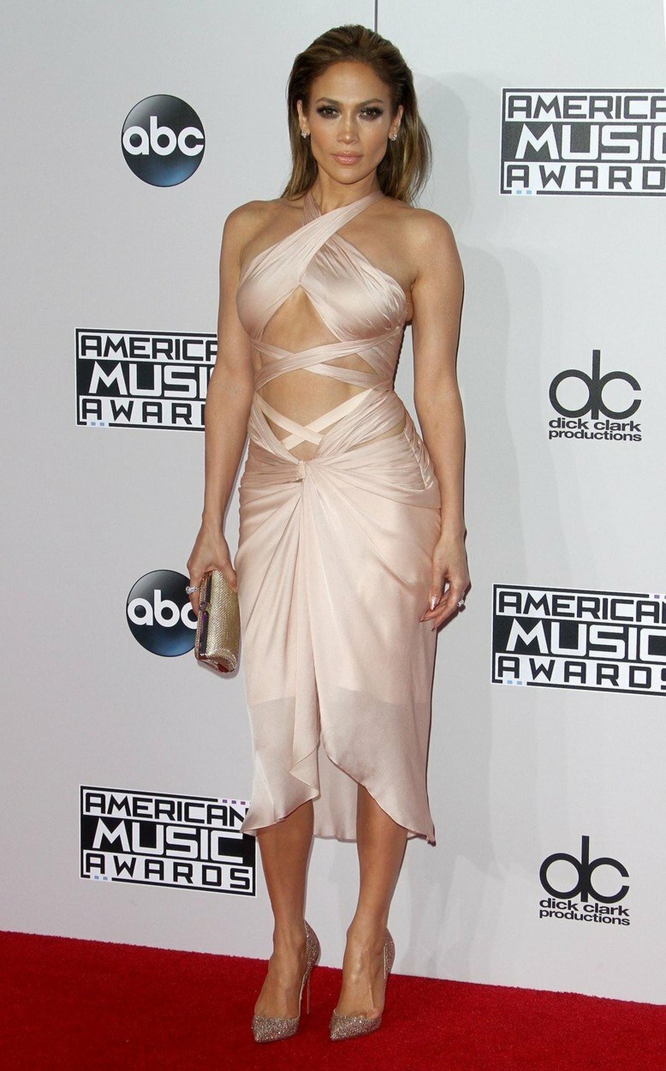 Omiljeni fazon haljina Dženifer Lopez