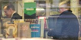 Politycy przyłapani w księgarni. Udawali, że się nie znają?