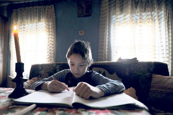 Moja majka je odrasla u domu, ali nije imala roditeljsku ljubav kao ja, kaže Aleksandar
