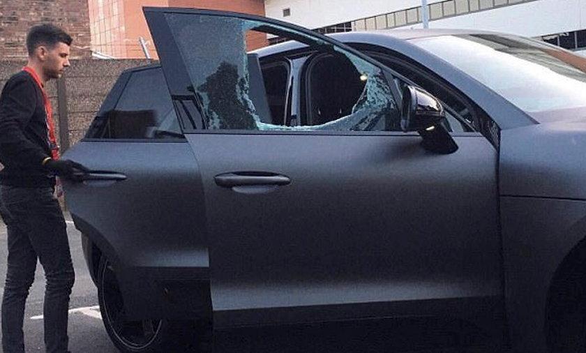 Philippe Coutinho: Porsche gwiazdy Liverpoolu obrzucone kamieniami