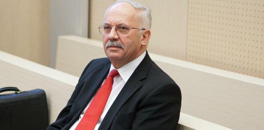 Wszedł do Senatu bez poparcia Solidarności. Czym przekonał Polaków Stokłosa?