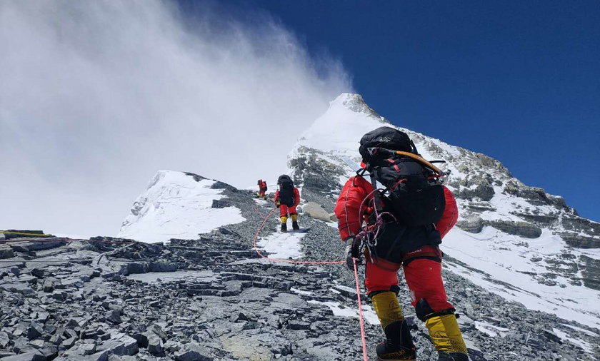 W 2018 roku na Mount Everest wspięło się aż 700 śmiałków
