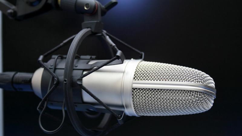 2459bf9993b0 Az sem mindegy, hogy rádióban, vagy tévében játsszák le a dalt /  Illusztráció: