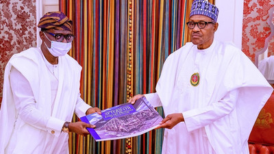 'Let them walk', Buhari reveals what he told Sanwo-Olu when he showed him photos of burnt BRT buses