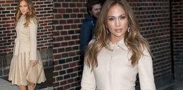 Piękna w beżach: Jennifer Lopez