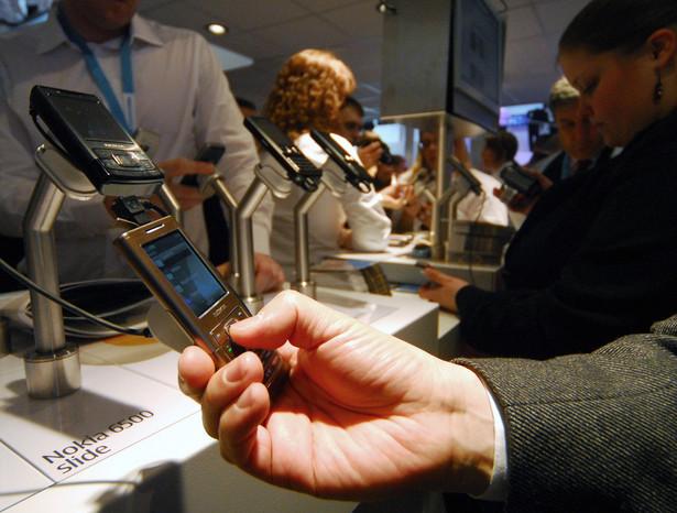 UKE zapowiada zmiany w stawkach hurtowych za połączenia komórkowe