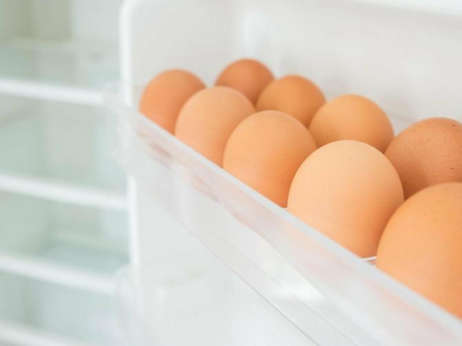 Svi jaja ostavljamo u vratima frižidera: To je VELIKA GREŠKA - evo gde zapravo treba da stoje