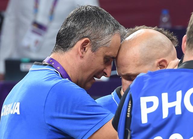 Igor Kokoškov i Aleksandar Đorđević posle pobede Slovenije nad Srbijom u finalu Evropskog prvenstva