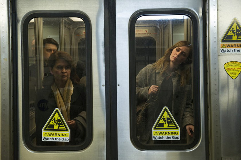 Emily Blunt. Dziewczyna z pociągu