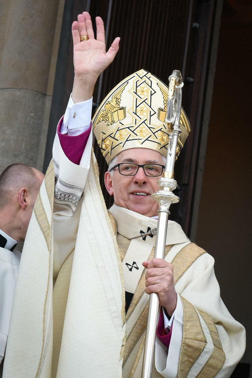 """Arcybiskup apeluje o odwołanie """"Klątwy"""""""