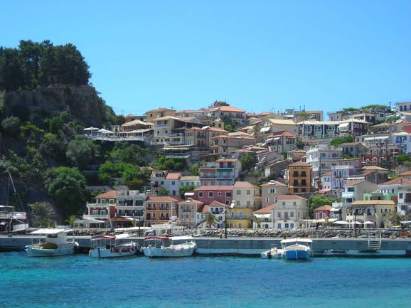 Parga, malo, ali veoma živopisno mesto na Jonskom moru, poslednjih godina sve je popularnije letovalište