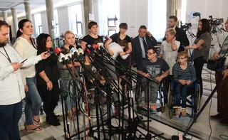 RPO i przewodniczący OPZZ odwiedzili niepełnosprawnych protestujących w Sejmie