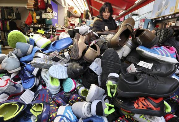 U cipelama poliuretan i poliester
