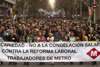 Barcelona: Strajk pracowników komunikacji publicznej paraliżuje miasto