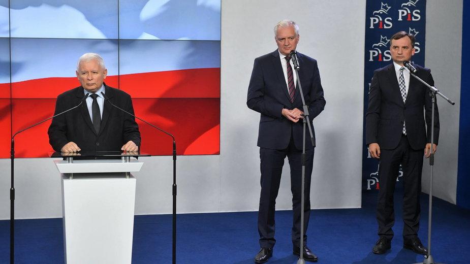 Jarosław Kaczyński, Jarosław Gowin oraz Zbigniew Ziobro (zdjęcie z 26 września 2020 r.)