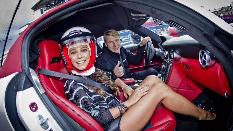 Verva Street Racing to jedna z niewielu imprez motoryzacyjnych organizowanych na tak potężną skalę. W trzeciej edycji tego show fani dwóch i czterech kółek mogli oglądać rekordową liczbę samochodów oraz motocykli wyczynowych. Wydarzenie to swoją obecnością uświetniły prawdziwe gwiazdy, a wśród nich dwukrotny mistrz świata Formuły 1 w sezonach 1998 i 1999 Mika Häkkinen. Na pierwszym planie Anna Mucha w kasku :)
