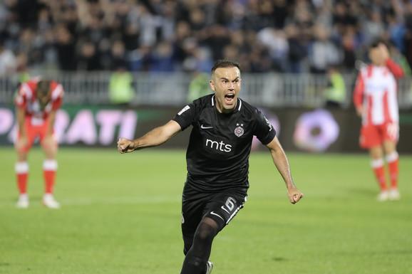 Bibras Natho slavi gol za pobedu FK Partizan nad Crvenom zvezdom u polufinalu Kupa Srbije