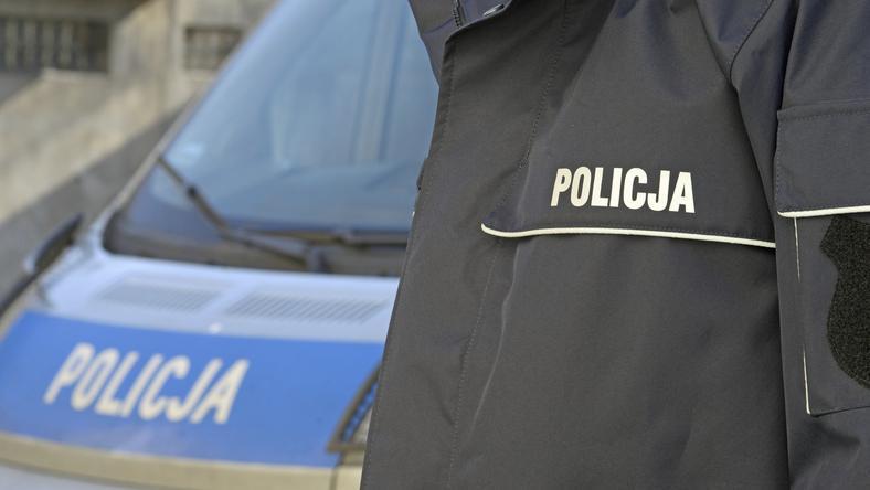 Policjanci wydobyli ze stawu w centrum Warszawy zwłoki mężczyzny