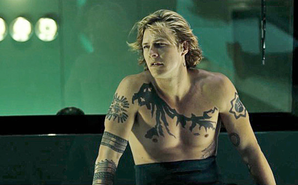 "Luke Bracey w filmie ""Point Break - na fali"""