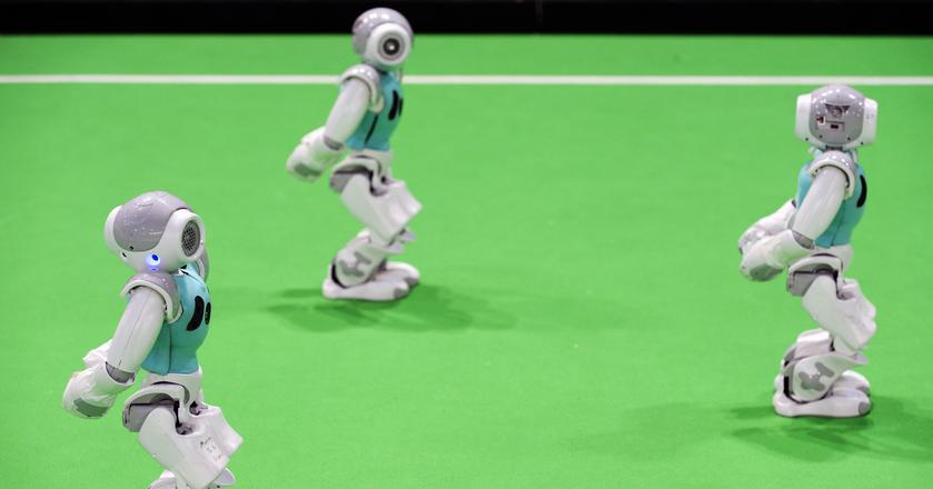 Ludzie darzą większą sympatią roboty, które są niedoskonałe i okazjonalnie popełniają błędy