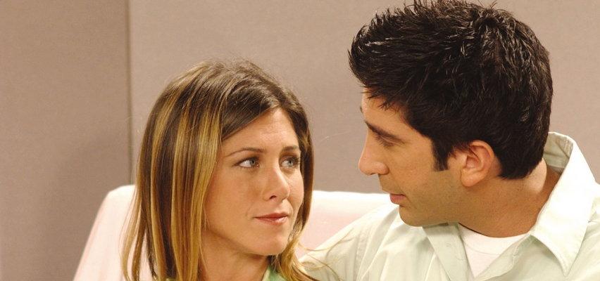 """Jennifer Aniston i David Schwimmer są parą? Między aktorami zaiskrzyło w trakcie nagrywania odcinka specjalnego """"Przyjaciół"""""""