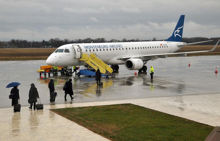 montenegro airlines NIS Let iz Nisa za Podgoricu RAS foto Kostadin Kamenov (1)