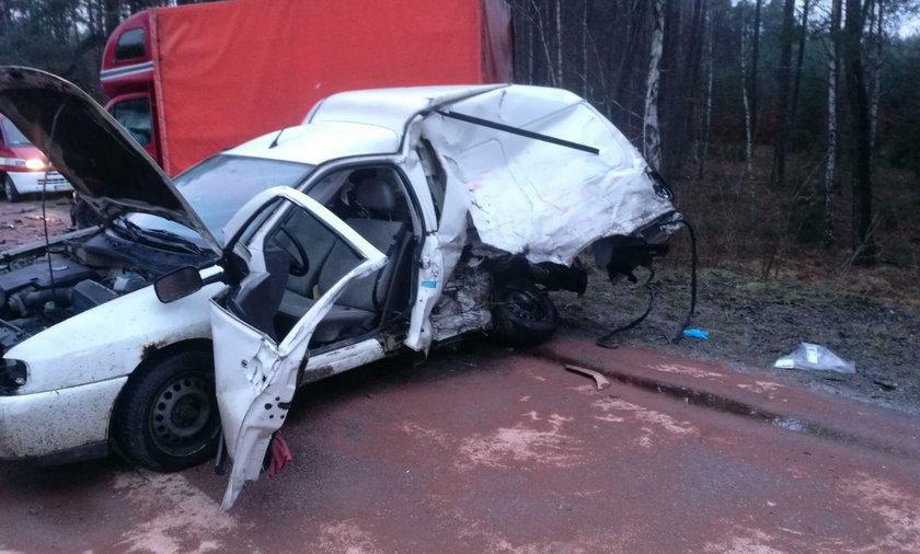 Śmiertelny wypadek w Osieku (pow. starogardzki). Nie żyją dwie osoby