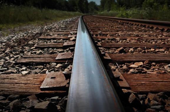 Kroz klisuru završeno oko šest kilometara pruge