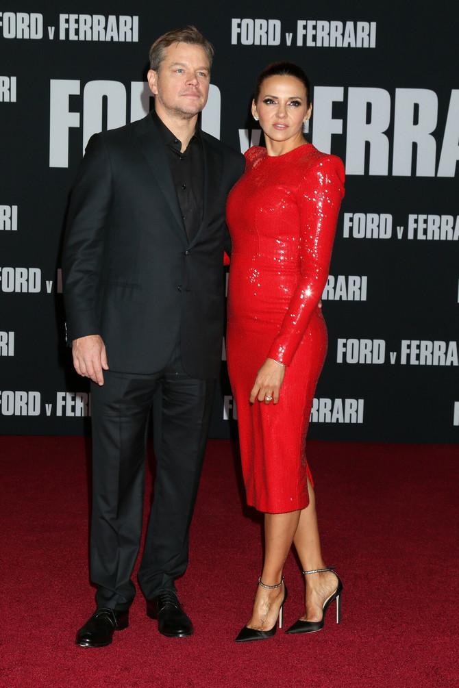 Met Dejmon sa suprugom