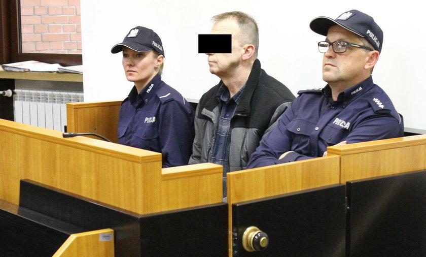 Mariusz M. przed Sądem Okręgowym w Tarnobrzegu odpowiada za oszustwa