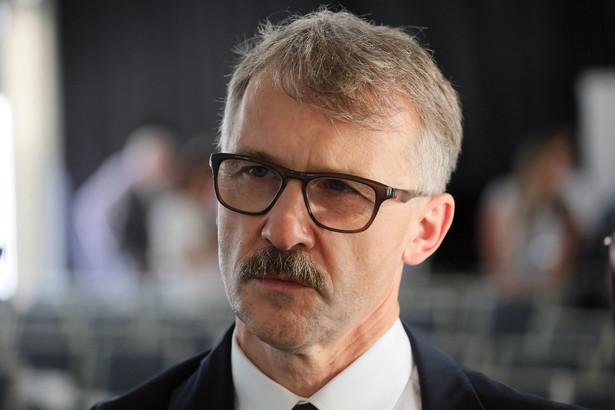 Ostentacyjne działania sędziego Juszczyszyna wskazują na to, że chce on zostać męczennikiem w związku ze sporem w sprawie sądownictwa - mówi Leszek Mazur