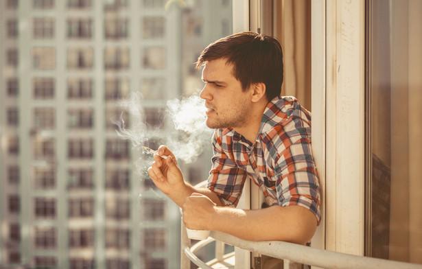 Po raz pierwszy od pięciu lat zwiększyło się w Polsce spożycie papierosów na osobę.
