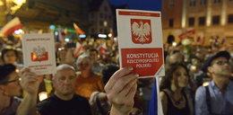 8 ze 132 poprawek prezydenckiej ustawy i przerwa. Sejmowa komisja przerywa prace
