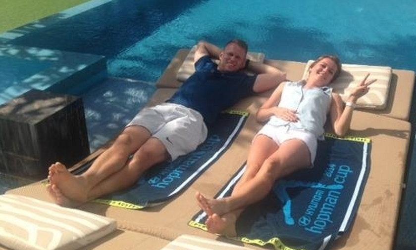 Agnieszka Radwańska odpoczywa w basenie