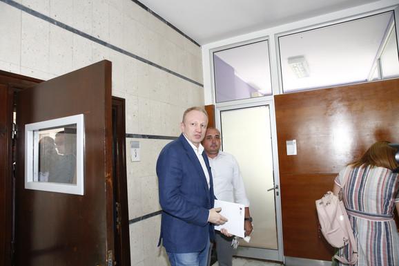 Dragan Đilas napušta sastanak