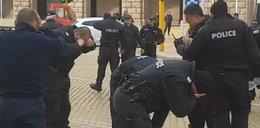 Policjanci zalali się łzami. Na filmie widać, co poszło nie tak