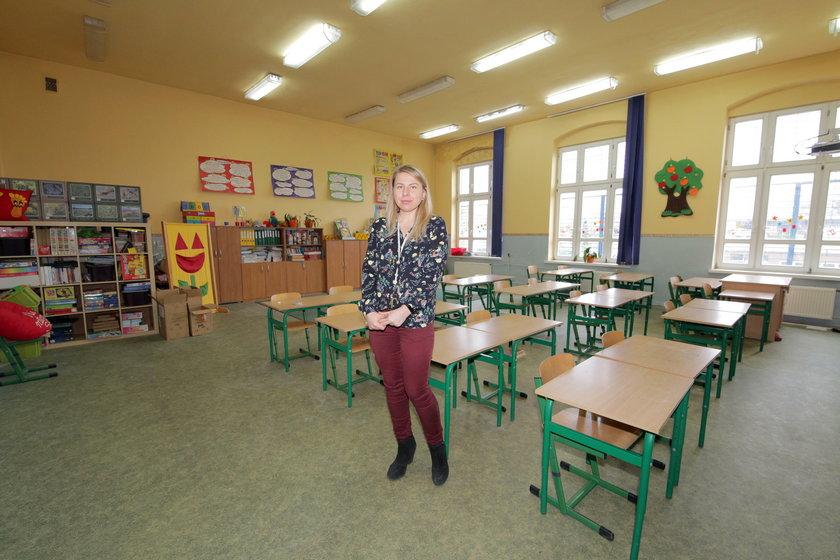Magdalena Bąkowska–Tarnecka, nauczycielka języka angielskiego