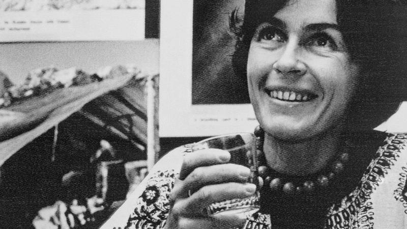 Wanda Rutkiewicz w Delhi w 1978 roku po zdobyciu Everestu