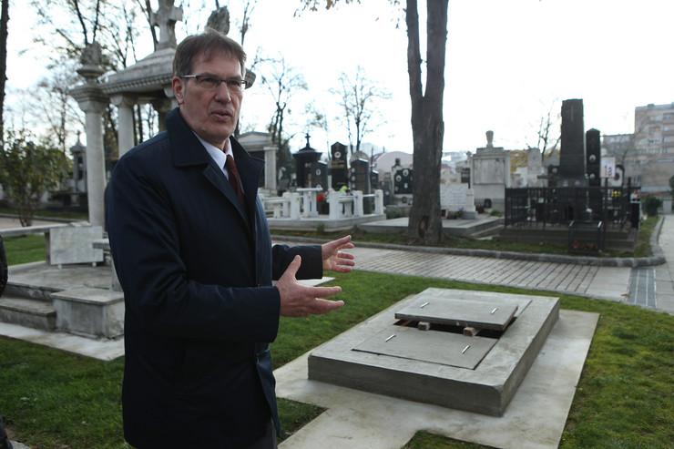 Grobno mesto Dimitrija Tucovića u Aleji velikana