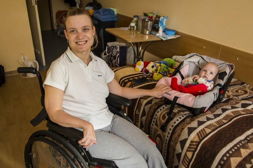 Rehabilitują dzielną mamę