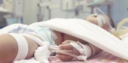 5-latek zawisł na plecaku. Lekarze walczą o jego życie