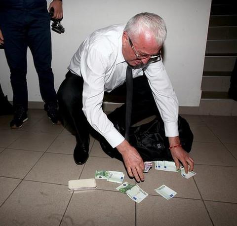Dao 1.900 evra: Era Ojdanić krivi sebe što mu je UNUK PAO NA POPRAVNI!