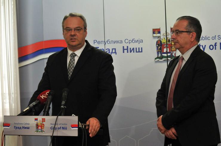 Zeljko Sertic u Nisu sa gradonacelnikom Nisa Perisicem K Kamenov