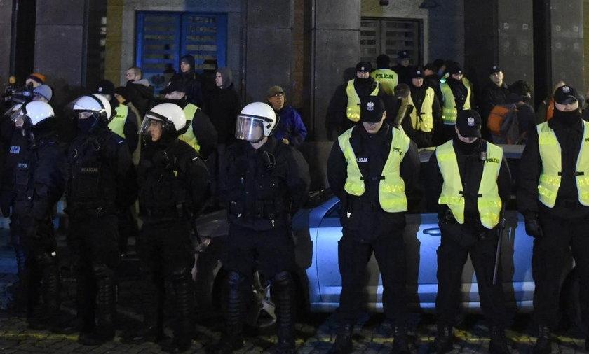 Policja przed PKW