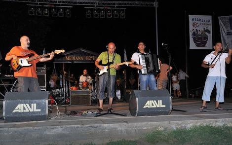 """Na """"Medijana festu"""" koji traje od 12. jula do 8. avgusta učestvuju mnogi gradski rok bendovi"""