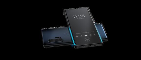 Motorola Edge+ ima sistem zadnjih kamera koji čine 108MP glavni senzor + 8MP telefoto objektiv + 16MP