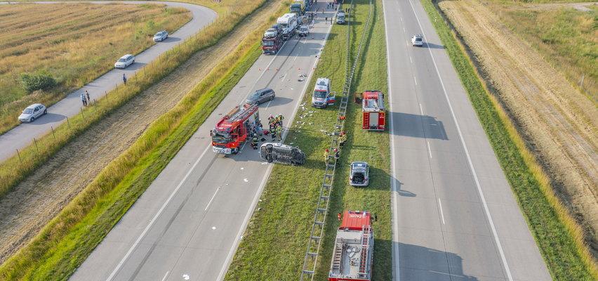 Groźny wypadek na A1 w kierunku Gdańska. Dramatyczne zdjęcia